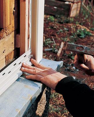 Монтаж фурнитуры для облицовки фасада дома