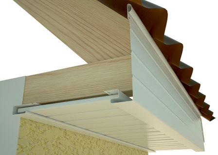 Подшивка свеса крыши с использованием фаски или J-фаски.