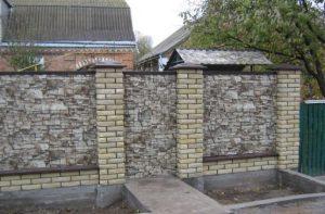 Виды и преимущество металлических фасадных панелей под камень