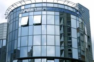 Остекление фасада офисного здания и иего преимущество