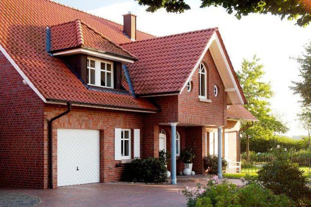 Фото дома после отделки фасада клинкерной плиткой