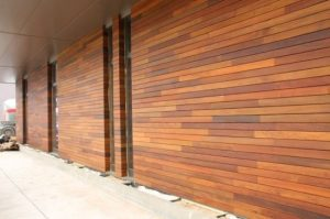 Фото деревянного фальш бруса Меранти