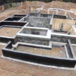 Цена работы по заливке ленточного фундамента под ключ за куб