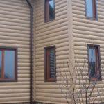 Преимущество отделки фасада металлосайдингом под дерево