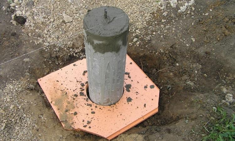 Бетонирование сваи бетоном