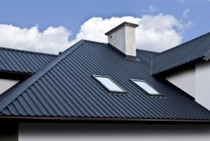 Сколько стоит покрыть крышу профнастилом.